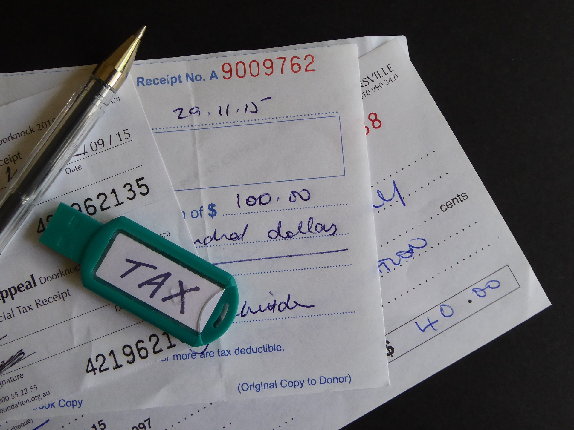 フリーランスは領収書フェチ?いえ、15%の節税効果があるんです!