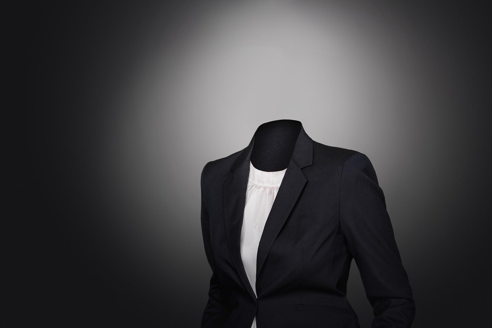 理想 イメージ スーツ