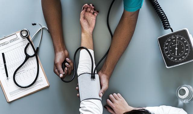 儲かるアフィリエイトジャンル「看護師」の特徴とオススメの時期