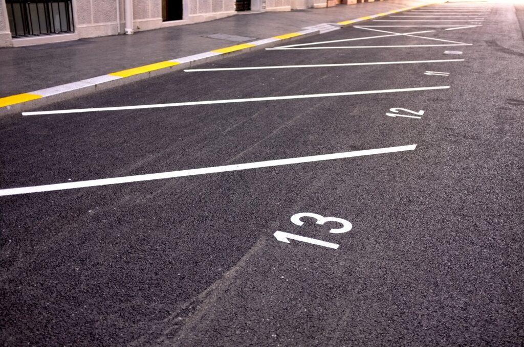 特P 駐車場 空きスペース